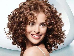 Кудрявые волосы не для стрижки лесенкой