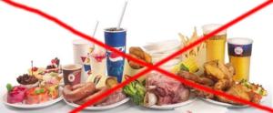 Жирные, острые продукты и фаст-фуд не способствуют выздоровлению