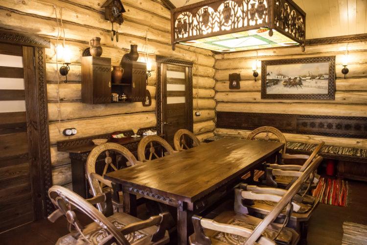 Стол в русской бане